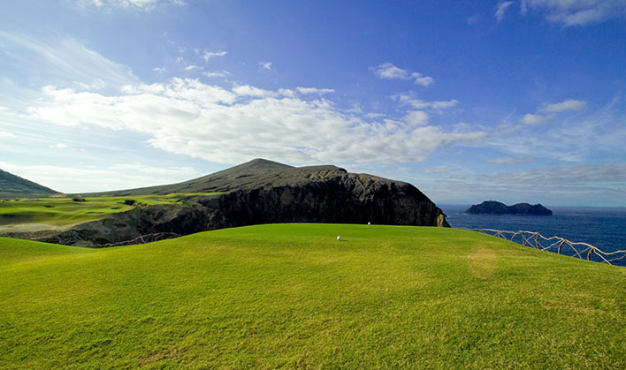 Ilhéu do Ferro from Porto Santo golf course
